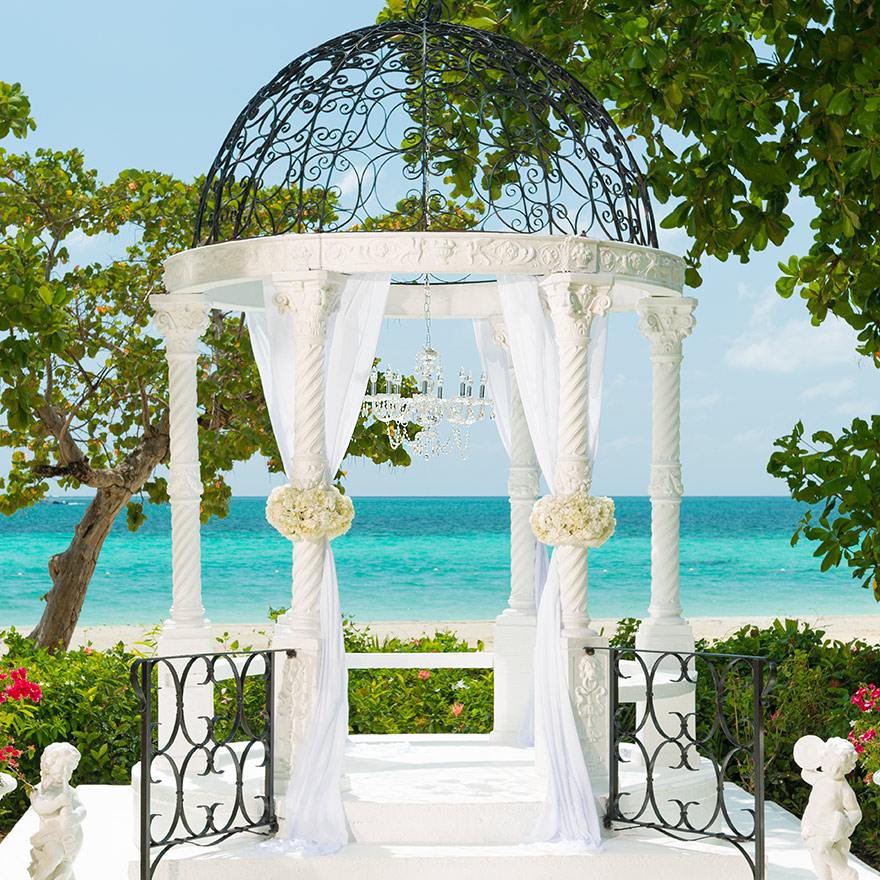 Belongil Beach Wedding Ceremony: Get A Free Caribbean Wedding With A 3-Night Stay Beaches