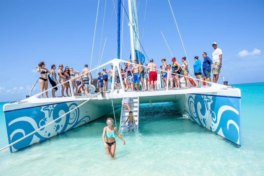 turks and caicos catamaran cruise
