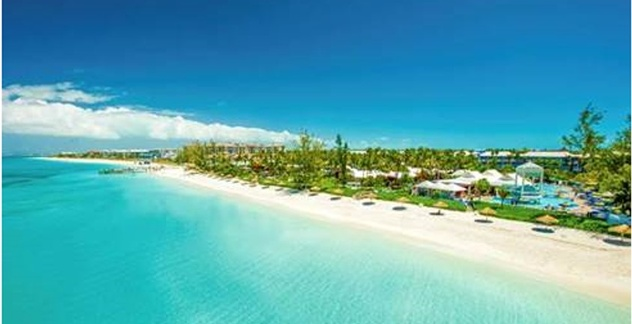 f4ade7ddd9e0e5 Summer Isn t Over For Sandals And Beaches Resorts Guests Thanks To ...