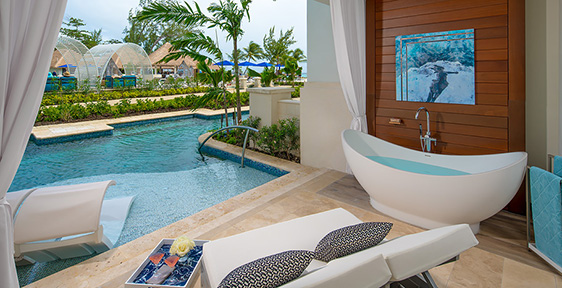 dcef0c8d87d Royal Seaside Crystal Lagoon Swim-up One Bedroom Butler Suite w  Patio  Tranquility Soaking Tub - 1SUP