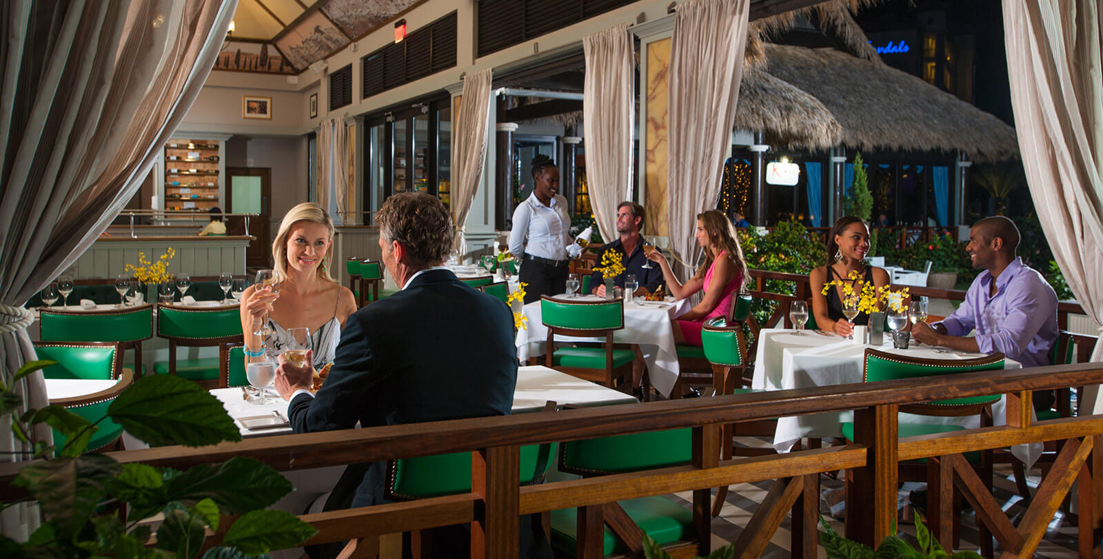 5 star gourmet restaurants at our resorts sandals for Cucina romana