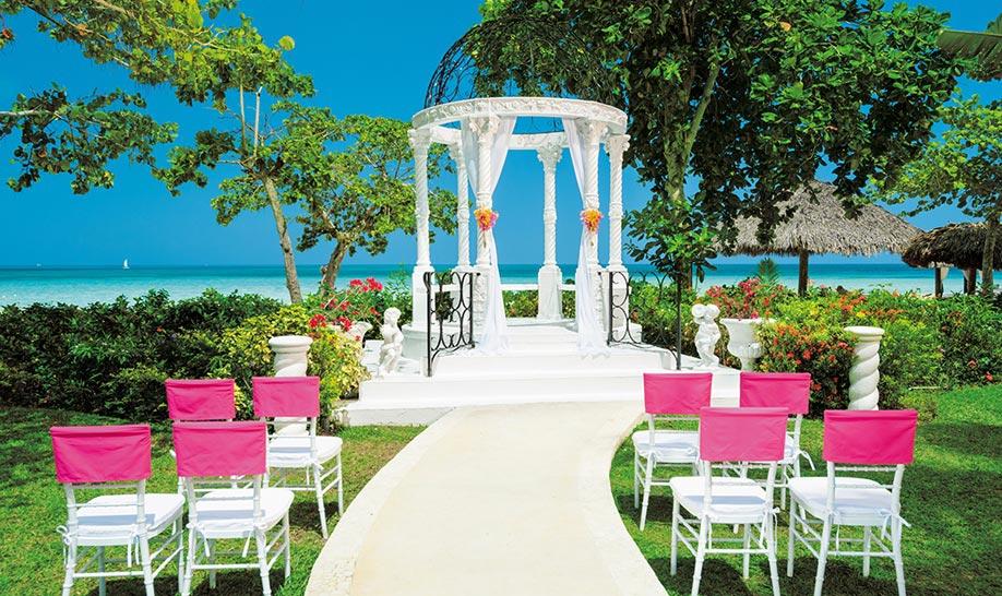 285e2fe8020 Sandals Wedding Inclusions